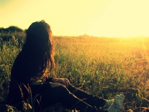 beautiful-field-girl-light-nature-